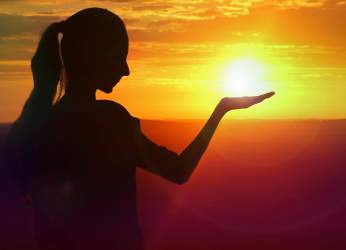 Έκλειψη Ηλίου στον Καρκίνο και θερινό ηλιοστάσιο